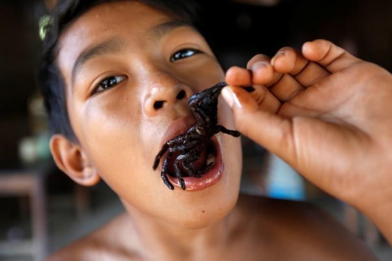 Kuliner ini bisa kamu temukan di Kampung Cham, Kamboja. Wilayah ini berjarak 2 jam naik mobil dari Phnom Penh (Samrang Pring/REUTERS)