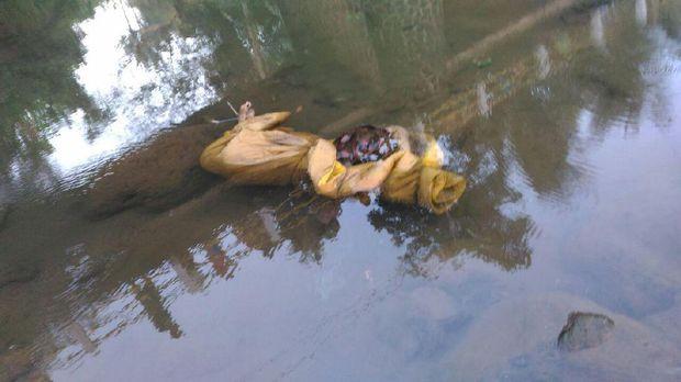 Mayat ditemukan di Sungai Klawing, Purbalingga.