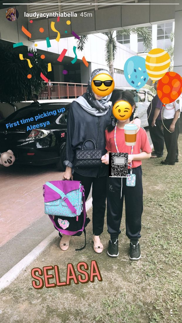 Laudya Cynthia Bella Kok Tutupi Wajahnya dan Anak Saat ke Sekolah?