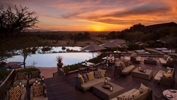 Salah satu resort yang menyediakannya adalah Four Seasons Safari Lodge Serengeti. Alam bebas khas Afrika Timur ini bisa dinikmati dengan dekat dengan cara-cara unik (Four Seasons)