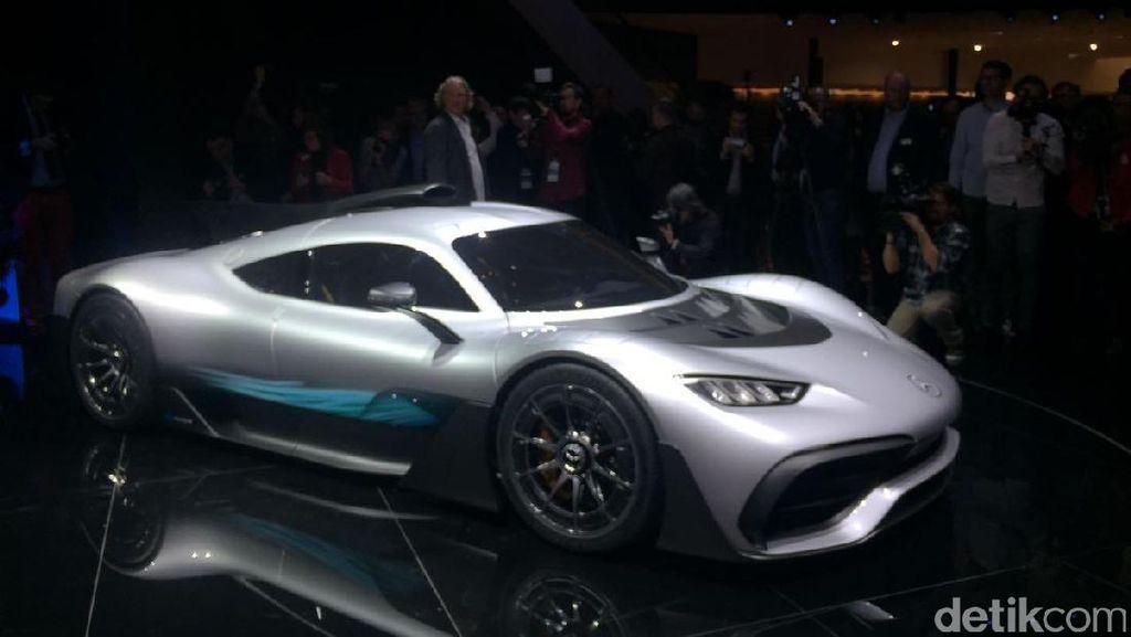 Kecantikan Mercedes-AMG Project One di Mata Desainer