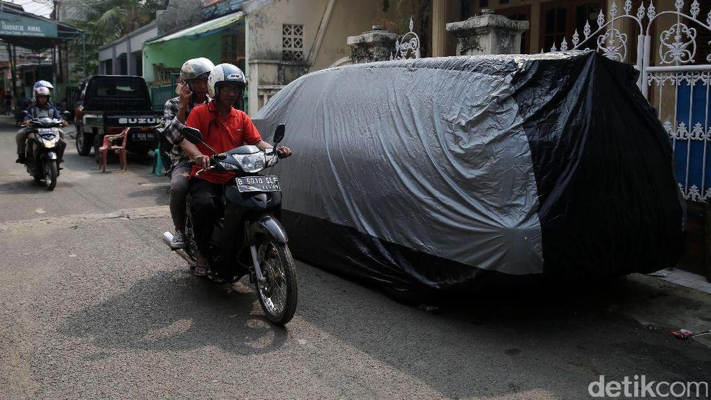 Kalau Garasi Cuma Cukup untuk 1 Mobil Jangan Tambah Mobil Lagi