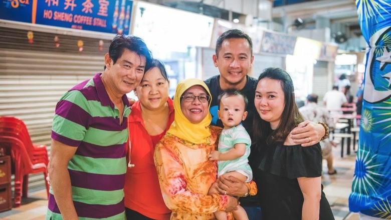 Penjual Nasi Padang itu Kini Jadi Presiden Singapura