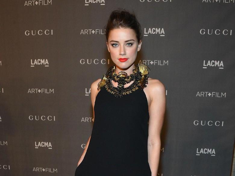 Liburan ke Bali, Amber Heard Sembuhkan Patah Hati karena Elon Musk?