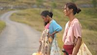 Main Film Pertama dan Menangi Piala Citra 2018, Dea Panendra Senang Banget