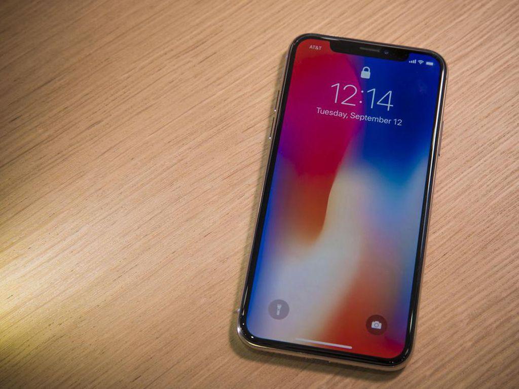 Selain itu, satu hal yang perlu disadari adalah tak ada lagi tombol Home di ponsel berlayar 5,8 inch ini. Foto: istimewa