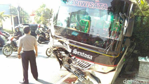 Kecelakaan Beruntun di Semarang, 2 Orang Tewas Seketika