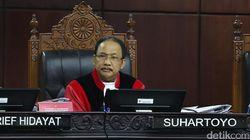 Tim Jokowi Protes Perbaikan Permohonan Prabowo, MK: Yang Dibaca Jadi Rujukan