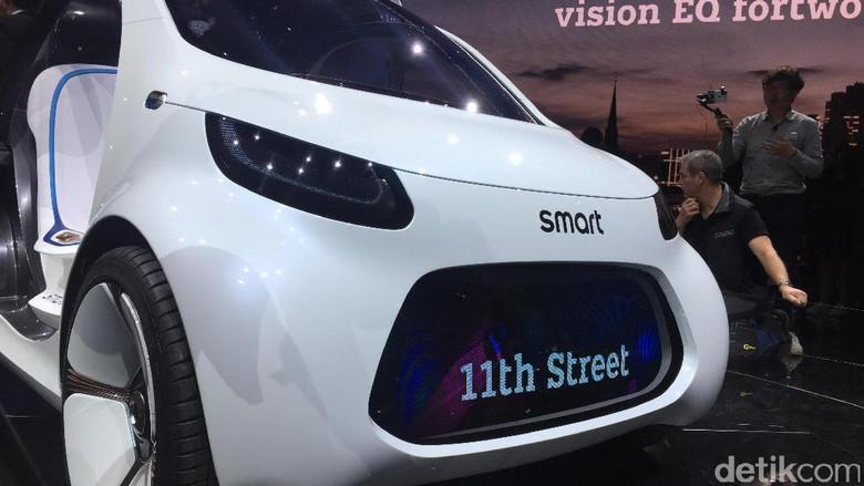 Mobil tanpa sopir mungil dari Smart