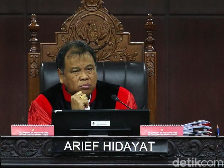 Sering Interupsi, Pengacara Calon Anggota DPD Dihardik Hakim MK