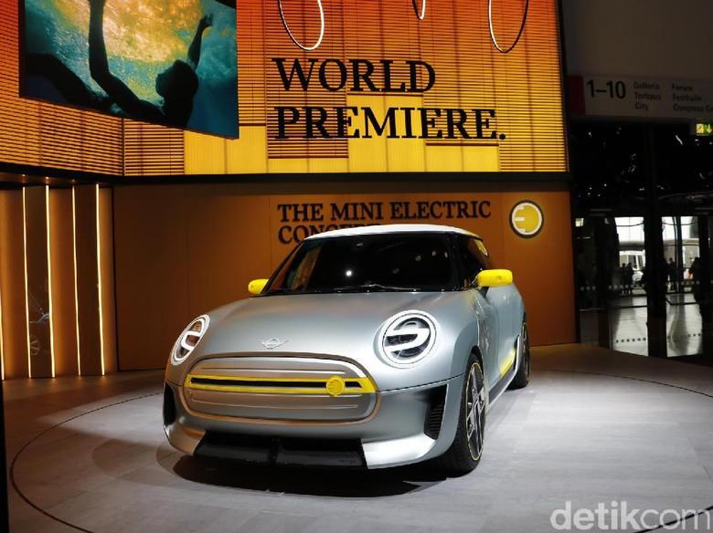 Mobil listrik pertama MINI diperkenalkan di Frankfurt Motor Show Foto: Dadan Kuswaraharja