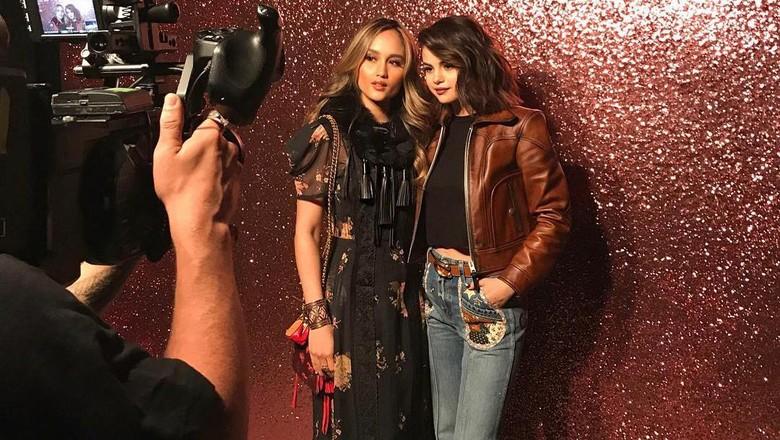 Ketemu Lagi, Cinta Laura dan Selena Gomez Makin Akrab