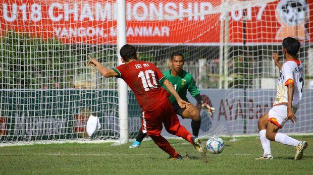 Timnas Indonesia U-19 lolos ke semifinal setelah menghabisi Brunei Darussalam 8-0. (