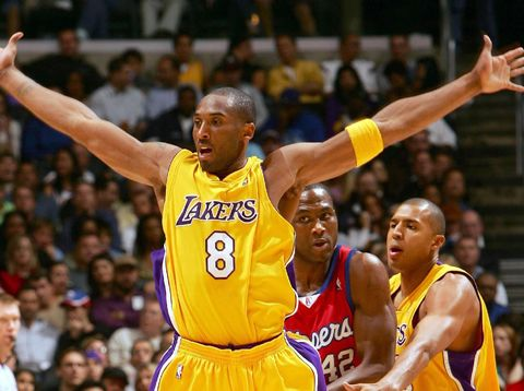 Kobe memakai nomor 8 di periode pertama kariernya bersama Lakers