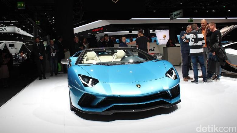 Lamborghini Foto: AN Uyung Pramudiarja