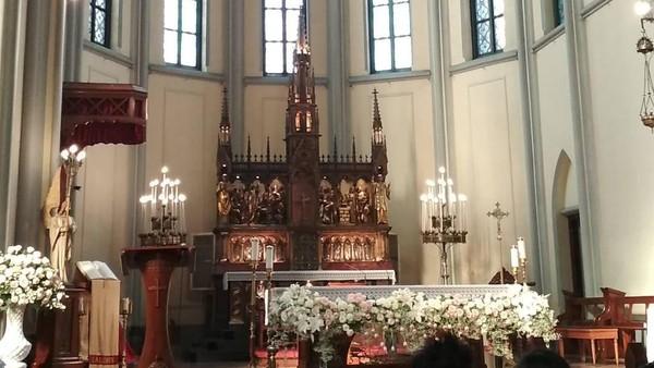 Gereja Katedral Jakarta merupakan salah satu gereja katolik roma yang terletak di Jakarta Pusat. Selain bentuknya yang vintage, gereja katredal letaknya bersebrangan dengan Masjid Istiqlal (Instagram/indrasutiono)
