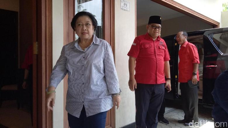 Foto: Megawati Panaskan Mesin PDIP di Palembang