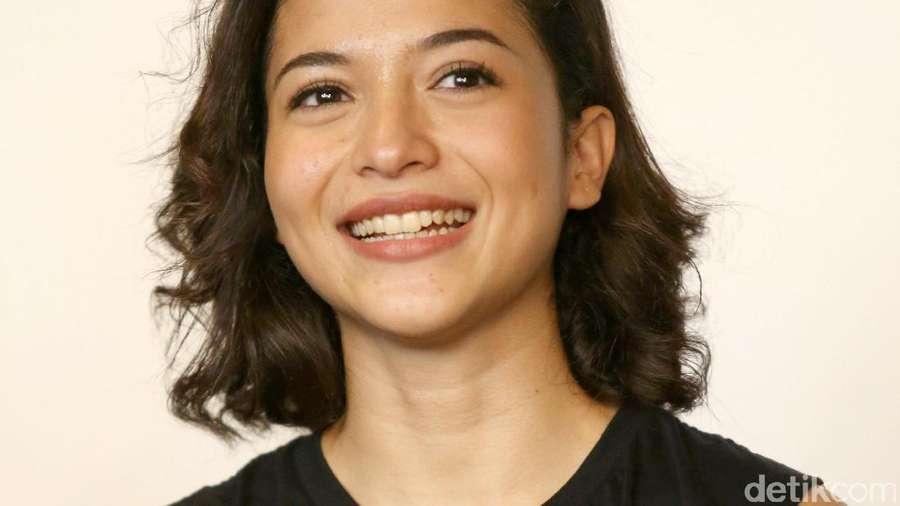 Senyum Manis Putri Marino