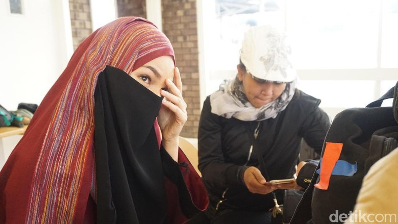 Dewi Sandra Bayangkan Hidup di Palestina Dalami Peran Ayat-ayat Cinta 2