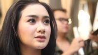 Para netizen mengira bentuk hidung Cita semakin mancung karena operasi. Pool/Hanif Hawari/detikFoto.