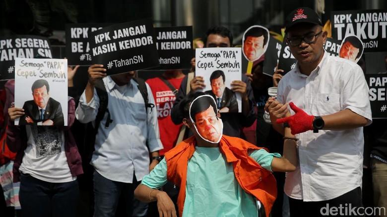 Setya Novanto Minta Status Tersangkanya Digugurkan