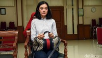 Ade Maya saat ditemui di sidang cerai perdananya di Pengadilan Agama Jakarta Selatan pada pagi ini. Pool/Noel/detikFoto.