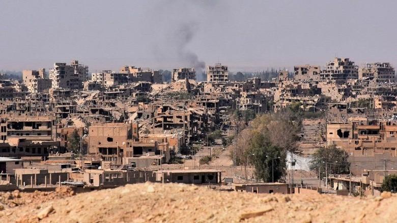 Serangan Udara Rusia Tewaskan Puluhan Orang di Deir al-Zour Suriah