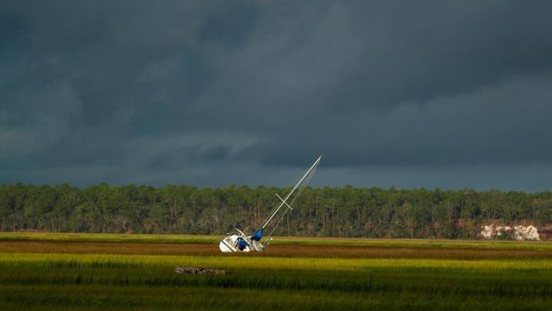 Gara-gara Irma, Kapal Berlayar Sampai ke Rawa-rawa