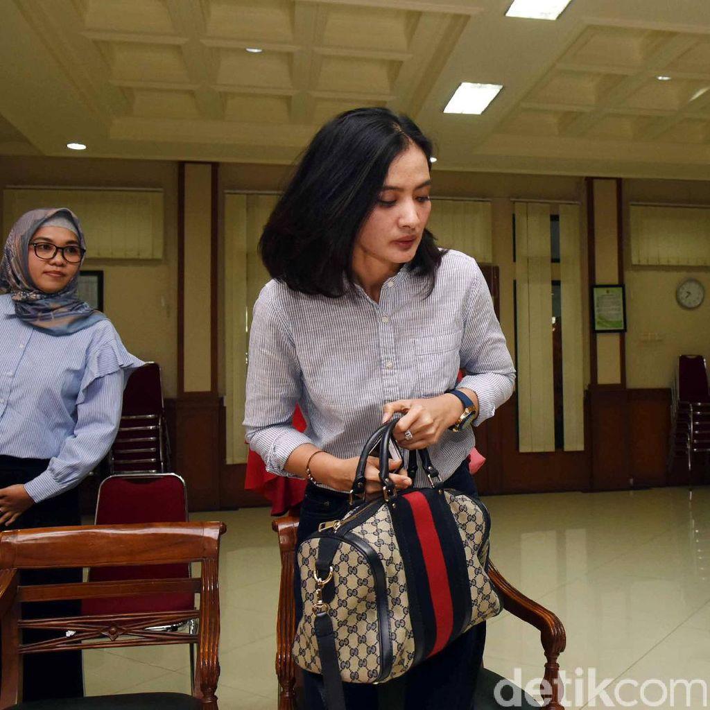 Pakai Hijab, Ade Maya Dapat Hikmah di Balik Perceraiannya