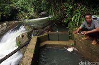 Desa di Tapal Batas Ini Sabar Menunggu Listrik PLN