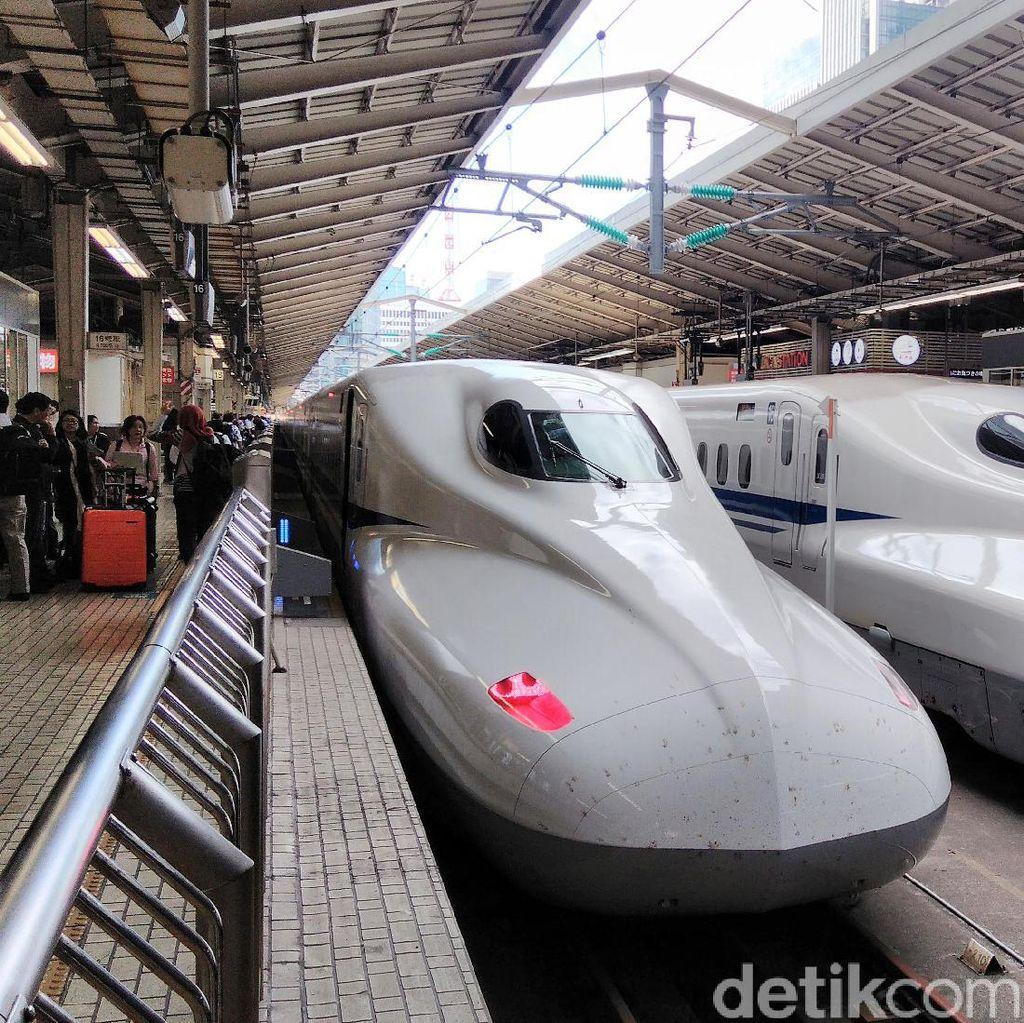 Berangkat 25 Detik Lebih Awal, Perusahaan Kereta Jepang Minta Maaf
