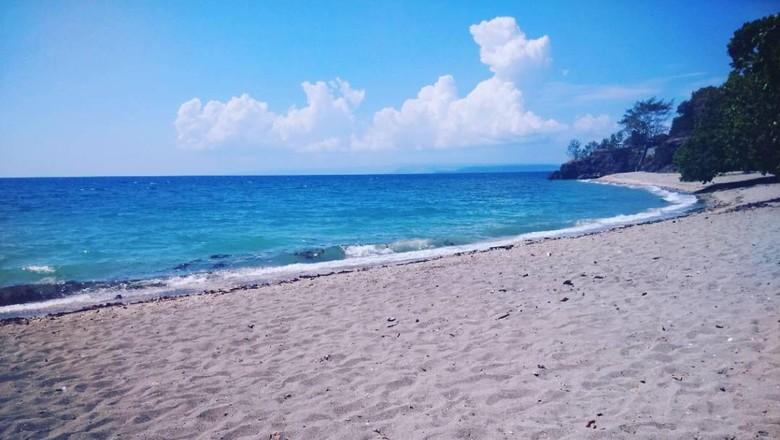 Pantai Kencana di Sumbawa (@didiirawan07/Instagram)