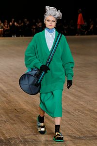 Tampilkan Model Pakai Turban di Fashion Show, Marc Jacobs Dikritik Netizen