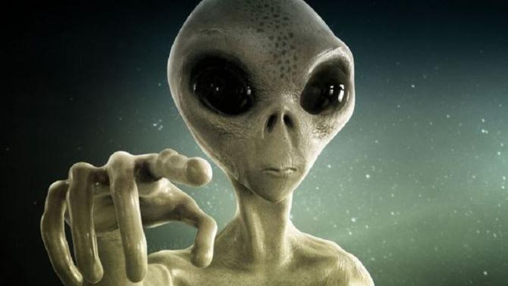 Astronot Ini Yakin Alien Hidup di Sekitar Manusia