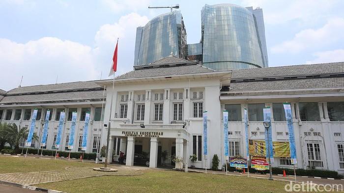 Gedung Fakultas Kedokteran Universitas Indonesia (FKUI) Salemba. Foto: Ari Saputra