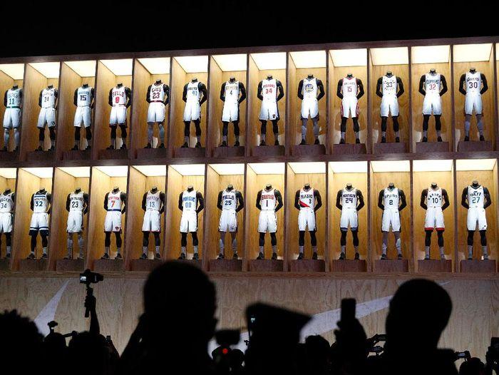 NBA dan Nike memperkenalkan barisan jersey baru 30 tim kontestan (Josh Lefkowitz/Getty Images)