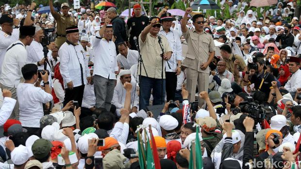 Amien Rais Bicara Cebong dan PKI di Aksi Bela Rohingya