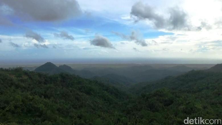 Puncak Gunung Ijo (Rinto Heksantoro/detikTravel)