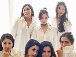 Gaya Nia Ramadhani dan Anggota Girl Squad Pakai Tas Ratusan Juta Rupiah