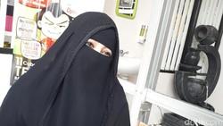 Umi Pipik Kenal 2 Istri Almarhum Uje, Salah Satunya Public Figure