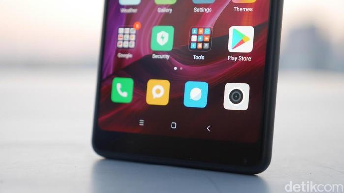 Xiaomi Mi Mix 2. Foto: detikINET/Anggoro Suryo Jati