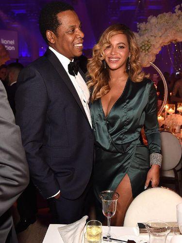 Pasca Melahirkan, Beyonce Kembali Tampil Seksi Pakai Gaun Harga Terjangkau