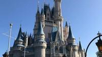 Hebohnya Netizen Lihat Kastil Cinderela di Disney World