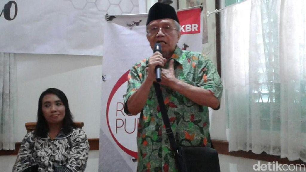 Penyair Taufiq Ismail Sampaikan Kampanye Anti Rokok Lewat Puisi