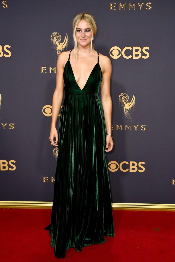 Shailene Woodley, aktris pemeran dalam film Divergent dan The Fault in our Star ini ternyata fobia sama ketinggian. Meski demikian, fobianya tidak menghentikan Shailene dalam mengambil peran yang membuatnya berkeringat hebat itu. Foto: Dok. Getty Images