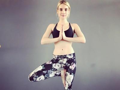 Rahasia Tubuh Ramping Si Cantik Emma Roberts: Yoga dan Pilates