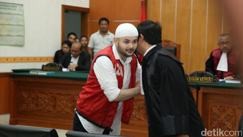 Elvy Sukaesih Prihatin Ridho Rhoma Harus Mendekam Lagi di Penjara