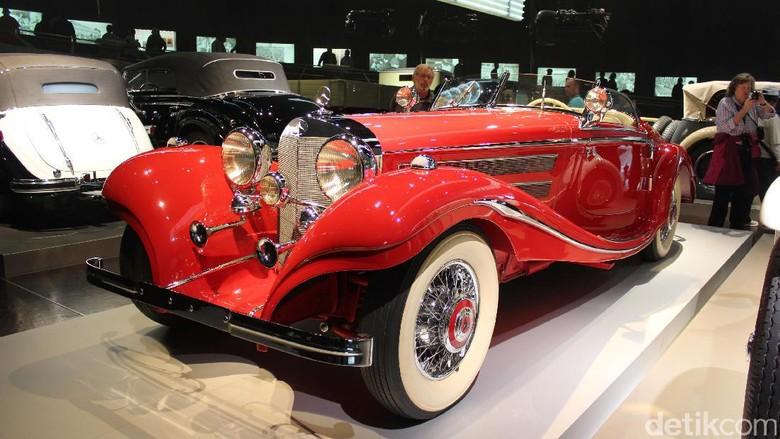 Mengintip Sejarah Otomotif di Museum Mercedes-Benz Foto: AN Uyung Pramudiarja