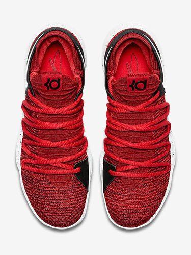 <i>Yummy!</i> Nike Rilis Sneakers Terinspirasi Kue Red Velvet