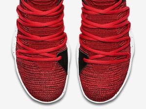 Yummy! Nike Rilis Sneakers Terinspirasi Kue Red Velvet